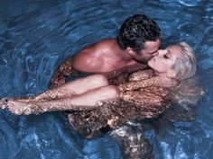 This time Lady Gaga nude in pool and this time she is not alone, she is accompanied by Taylor Kinney who passionately kissing her