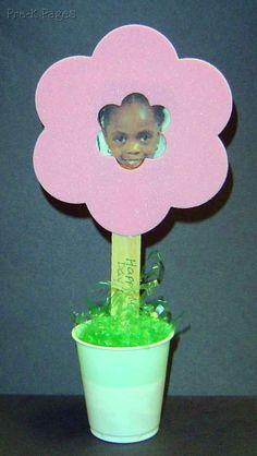#mothersday flower pot photo frame #preschool #kindergarten via www.pre-kpages.com