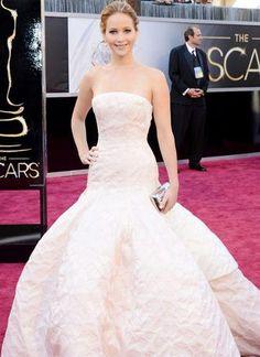 Love her , very bridal !