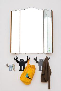 albert - robot hook / I LOVE this mirror too!