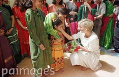 PA NEWS PHOTO 267835-11 : 6/6/97 : Diana, Princess of Wales barefoot at Shri Swaminararyan Hindu Mission Temple in Neasden, North London. Diana toured the Mandir or Temple which is the largest outside of India.