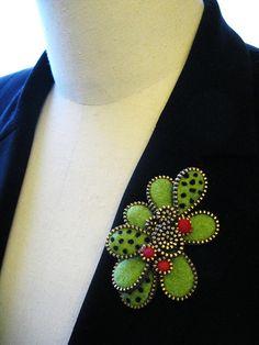Zipper brooches