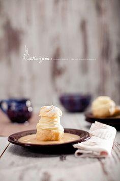 Vanilla cream choux pastry with hot apple sauce
