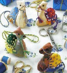 camel ornaments tutorial camel ornament, sew, camels crafts, pincushion, pattern, crazi camel, ornament tutori, christma, felt eccetera