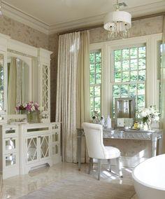 Dressing Room / Dressing Table