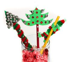 Holiday Pencil Toppers. A cute #DIY decoration for your pencils!