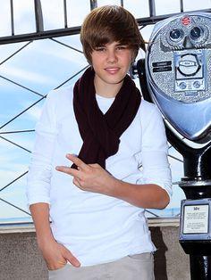 Look at Justin Bieber's swag!