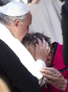 this man, squares, news, faith, pope francis, gods grace, vatican, cathol, kisses