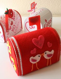 Life In The Thrifty Lane: V-Day Mailboxes