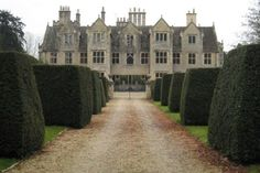 Shipton Court, Shipton-under-Wychwood, Oxfordshire.