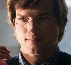 Ashton Kutcher does his best Steve Jobs in the Jobs trailer
