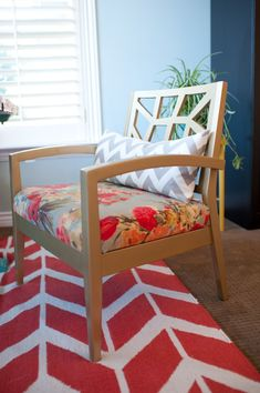 How to upholster a chair seat -- this one uses HGTV Home fabrics. #HGTVHomeMagic #diy tatertotsandjello.com
