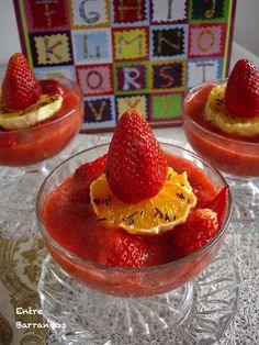 Fresas con naranja y licor o zumo