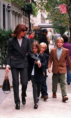 Carolina de Monaco y sus Hijos.   -lbk-