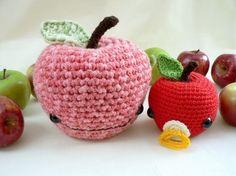 johnny apple: the cutest crochet pattern.