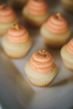 peach and gold cupcakes