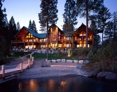 Log home lake front, Montana