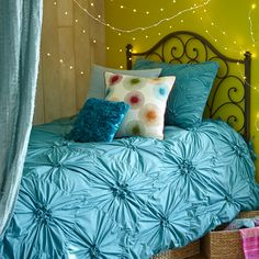 Set a relaxing mood in your dorm room with Glimmer Strings™.