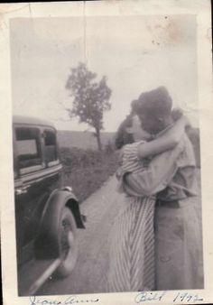 how lovely! #kiss #oldphoto