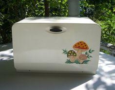 merry mushroom bread bin