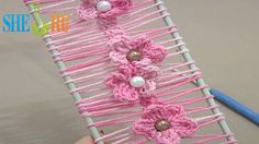 Floral Crochet Hairpin Lace Strip Tutorial 19 Crochet Flowers on Hairpin Loom  ✿Teresa Restegui http://www.pinterest.com/teretegui/✿