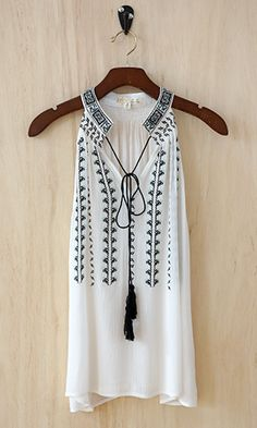 cover up, dress, embroid collar, bohemian look, tassel