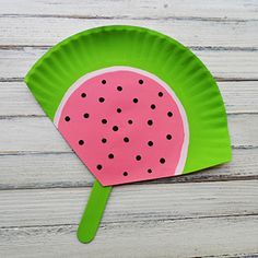 This easy summer craft is great for the kids. Make several for a family picnic to hand out to relatives!