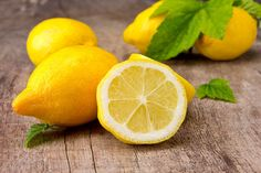 25 Things you didn't know you could do with lemons...