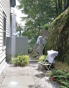 outdoor shower {gil schafer}