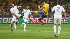 Le splendide ciseau d' #Ibrahimovic contre la France #football #soccer #euro2012