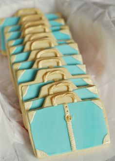 Bonvoyage suitcase cookies with pretty gold details