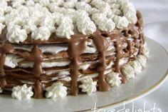 tort de clatite cu frisca si ciocolata
