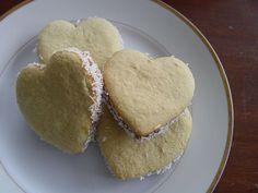From Argentina With Love: Heart-shaped Alfajores for Valentine's Day--Alfajores en forma de Corazon por el Dia de San Valentin