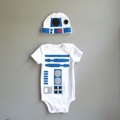 R2D2 onesie. Rowan needs this to go with his R2D2 Robeez!