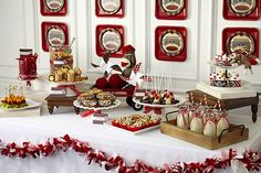 Sock Monkey Party: clever layered paper plate backdrop   {supplies from Birthday Party Express}