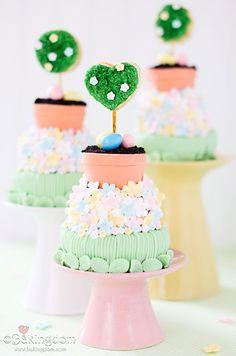 Mini Tiered Flower Garden Cakes. very pretty