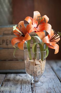 DIY Paper Tiger Lily  --  free Template from Ellinée