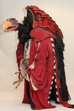 Skeksil, the Chamberlain from The Dark Crystal (not an actual screen used puppet, this is a replica that won a prize at the EuroCosplay 2011 Championships), beautifully made!