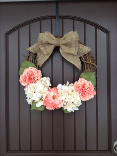 Spring door wreath. DIY Door Wreath. So easy to make!