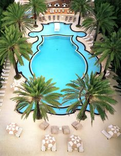 Raleigh Hotel pool in Miami Beach