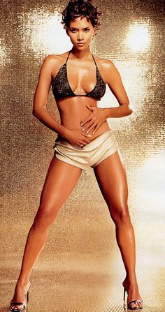 40 Hottest Female Celebrity Bodies of All Time | No. 1 Halle Berry: This all around gorgeous beauty is the perfect mix anyway you look at it. Multi-racial, and appealing to every walk of life, she is athletic yet voluptuous, toned and superbly proportioned. She is symmetrical perfection. Halle's caramel-creme/bronzed skin is flawless. Like a fine wine, she only has gotten better with age. Her body truly broke the mold, and no one else compares. Body Workouts, Fit Women, Bond Girls, Girl Crushes, Hall Berri, Beauti, Halle Berry, Black Girls, Berries