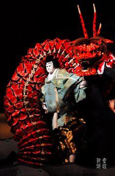 文楽 Bunraku  The most sophisticated muppet theater.