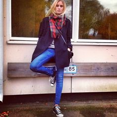 YUS! jean, fashion, outfit idea, sneaker, favorit style, fall, travel outfit, style board, plaid scarf