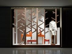 Visually Graphic Window Display of Hermes Boutique _6