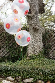DIY flower balloons for your outdoor summer party!