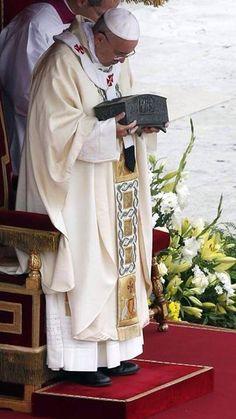 peter display, nice quot, faith, bones, pope francis, st peter, vatican, saint peter, cathol