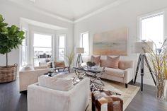 MACK lounge room