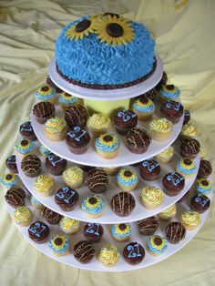 Cupcake Decorating Ideas For 21st Birthday : 21st Birthday Celebration Cake and Cupcake Decorating ...