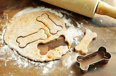 How to make homemade pet treats. #recipe #dogs #cats