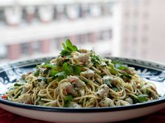 Featured Recipe: Healthy Pasta with Spicy Crab from #BobbyFlayFit